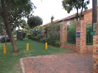 Pretoria, Garsfontein Property  | Houses For Sale Garsfontein, Garsfontein, Townhouse 3 bedrooms property for sale Price:1,090,000