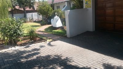 Property and Houses for sale in Alberton, House, 3 Bedrooms - ZAR 1,450,000
