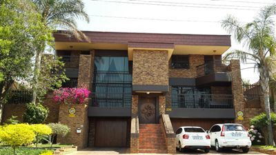 Centurion, Laudium Property  | Houses For Sale Laudium, Laudium, House 5 bedrooms property for sale Price:1,950,000