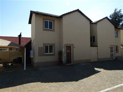 Bloemfontein, Gardeniapark Property  | Houses For Sale Gardeniapark, Gardeniapark, Townhouse 2 bedrooms property for sale Price:640,000