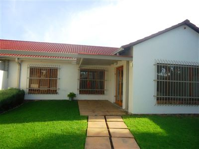Pretoria, Garsfontein Property  | Houses For Sale Garsfontein, Garsfontein, Townhouse 3 bedrooms property for sale Price:1,300,000
