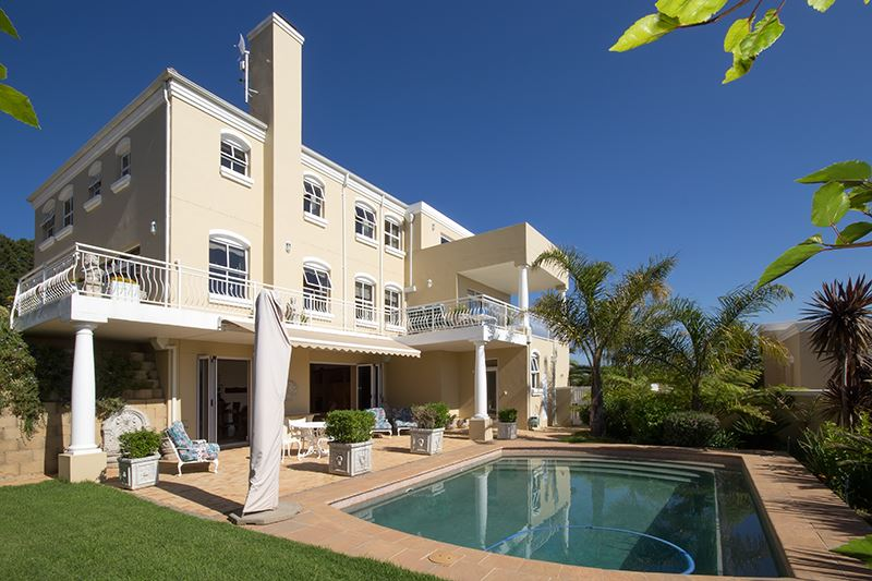 Majestic Residence in Spanish Farm Estate, Somerset West!