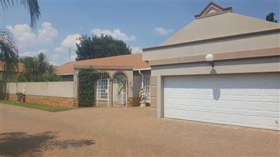 Klerksdorp, Irenepark Property  | Houses For Sale Irenepark, Irenepark, Townhouse 3 bedrooms property for sale Price:1,250,000