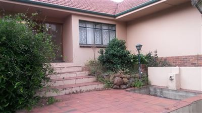 House for sale in Estcourt