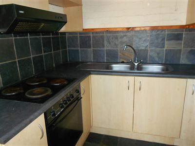 South End property to rent. Ref No: 13474069. Picture no 7