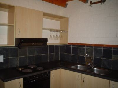 South End property to rent. Ref No: 13474069. Picture no 5