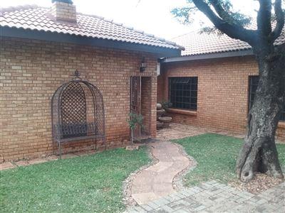 Rustenburg, Azalea Park Property  | Houses For Sale Azalea Park, Azalea Park, House 3 bedrooms property for sale Price:1,730,000