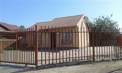 Rustenburg, Paardekraal Property  | Houses For Sale Paardekraal, Paardekraal, House 2 bedrooms property for sale Price:425,000