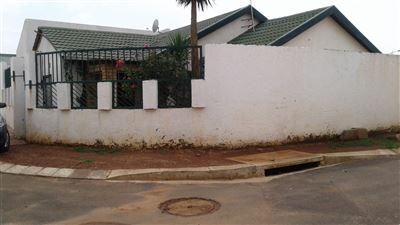 Johannesburg, Orange Farm Property  | Houses For Sale Orange Farm, Orange Farm, Apartment 4 bedrooms property for sale Price:795,000