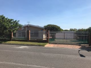 3 Bed, 2 Bath house with lots of space, Protea Heights