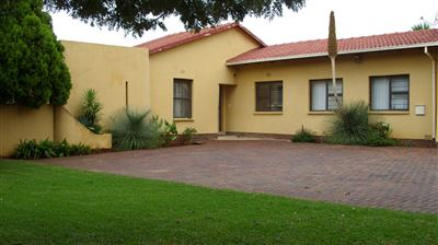 Roodepoort, Fleurhof Property  | Houses For Sale Fleurhof, Fleurhof, House 5 bedrooms property for sale Price:1,100,000