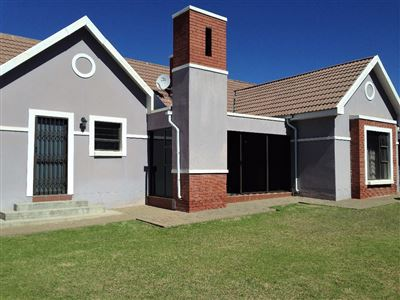 Bloemfontein, Lilyvale Property  | Houses For Sale Lilyvale, Lilyvale, Townhouse 4 bedrooms property for sale Price:1,890,000