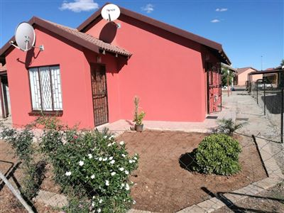 Boitekong & Ext property for sale. Ref No: 13475132. Picture no 8
