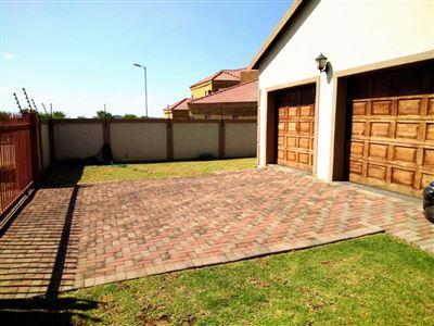 Doornpoort property for sale. Ref No: 13475927. Picture no 1