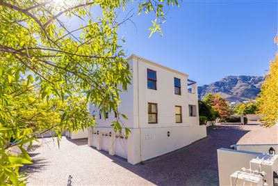 Apartment for sale in Franschhoek