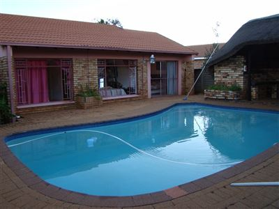 Klerksdorp, Doringkruin Property  | Houses For Sale Doringkruin, Doringkruin, House 3 bedrooms property for sale Price:850,000