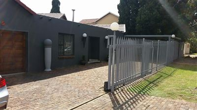 Alberton, Brackendowns Property  | Houses For Sale Brackendowns, Brackendowns, House 3 bedrooms property for sale Price:1,850,000