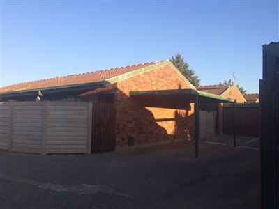 Bloemfontein, Willows Property  | Houses For Sale Willows, Willows, Townhouse 2 bedrooms property for sale Price:490,000
