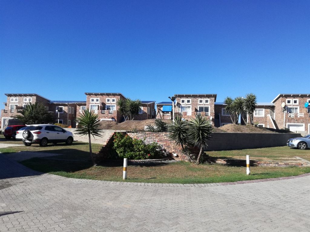 Bluewater Bay R745 000