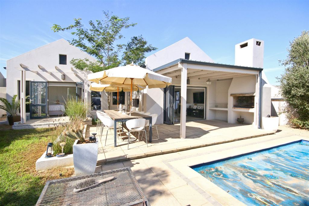 Outdoor Living and Al Fresco Dining in Somerset West