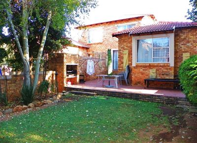 Roodepoort, Allens Nek & Ext Property  | Houses For Sale Allens Nek & Ext, Allens Nek & Ext, Townhouse 3 bedrooms property for sale Price:1,085,000