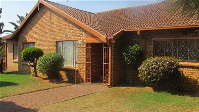 Witbank, Pine Ridge Property  | Houses For Sale Pine Ridge, Pine Ridge, House 5 bedrooms property for sale Price:1,020,000