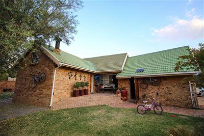 Bloemfontein, Langenhovenpark Property  | Houses For Sale Langenhovenpark, Langenhovenpark, Townhouse 4 bedrooms property for sale Price:1,690,000