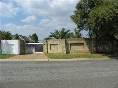 Roodepoort, Witpoortjie & Ext Property  | Houses For Sale Witpoortjie & Ext, Witpoortjie & Ext, House 3 bedrooms property for sale Price:700,000