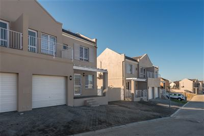Brackenfell, Protea Heights Property  | Houses For Sale Protea Heights, Protea Heights, Townhouse 2 bedrooms property for sale Price:1,275,000