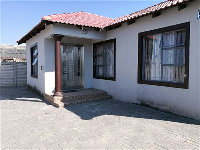 Rustenburg, Boitekong & Ext Property  | Houses For Sale Boitekong & Ext, Boitekong & Ext, House 3 bedrooms property for sale Price:590,000