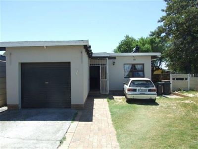 Kraaifontein, Windsor Park Property  | Houses For Sale Windsor Park, Windsor Park, House 4 bedrooms property for sale Price:1,099,000