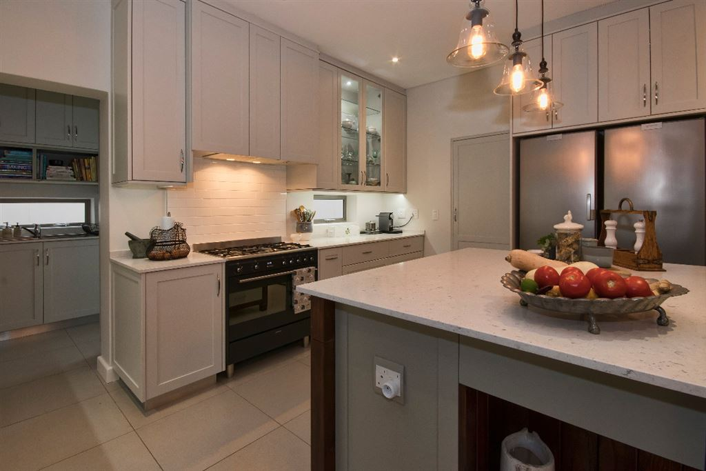 Gourmet fitted kitchen