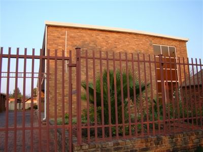 Klerksdorp, De Clerqville Property  | Houses For Sale De Clerqville, De Clerqville, Flats 3 bedrooms property for sale Price:399,500
