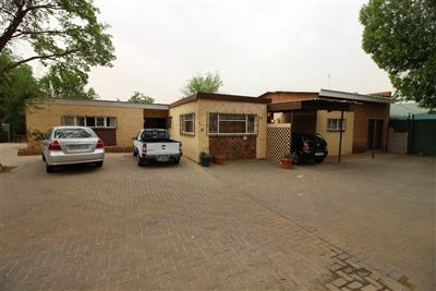 Bloemfontein, Universitas Property  | Houses For Sale Universitas, Universitas, House 8 bedrooms property for sale Price:1,999,000