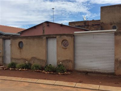 Soweto, Thulani Property  | Houses For Sale Thulani, Thulani, House 2 bedrooms property for sale Price:415,000