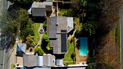 House for sale in Constantia Kloof & Ext