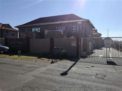 Alberton, New Market Park Property    Houses For Sale New Market Park, New Market Park, Townhouse 3 bedrooms property for sale Price:1,150,000