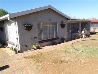 Bloemfontein, Generaal De Wet Property  | Houses For Sale Generaal De Wet, Generaal De Wet, House 3 bedrooms property for sale Price:990,000
