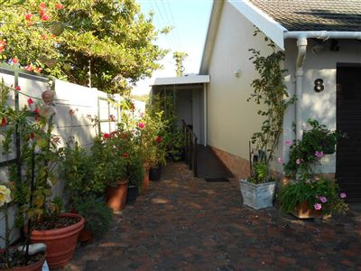 Cape Town, Meadowridge Property    Houses To Rent Meadowridge, Meadowridge, Apartment 1 bedrooms property to rent Price:,  8,00*