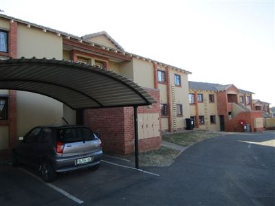 Bloemfontein, Bayswater Property  | Houses For Sale Bayswater, Bayswater, Townhouse 2 bedrooms property for sale Price:720,000