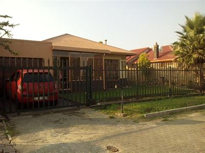 Johannesburg, Towerby Property  | Houses For Sale Towerby, Towerby, House 3 bedrooms property for sale Price:800,000
