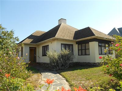 Cape Town, Bergvliet Property  | Houses For Sale Bergvliet, Bergvliet, House 3 bedrooms property for sale Price:1,795,000