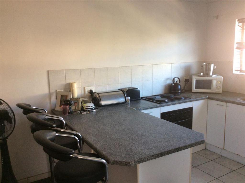 2 Bedroom, 1 bathroom flat for sale - Brackenfell