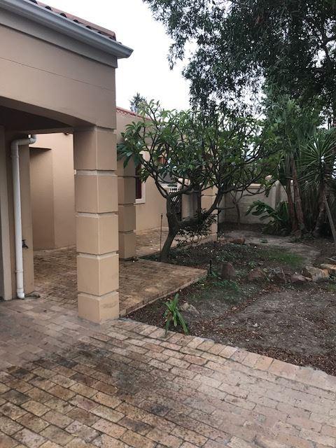 3 Bedroom, 2 bathroom for sale - Uitzicht, Durbanville