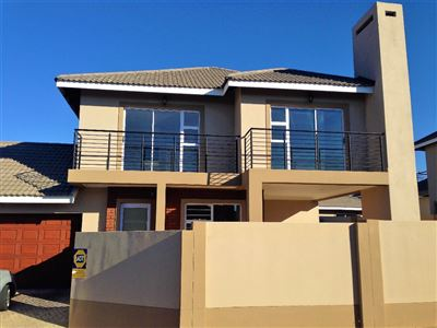 Bloemfontein, Lilyvale Property  | Houses For Sale Lilyvale, Lilyvale, Townhouse 3 bedrooms property for sale Price:1,730,000