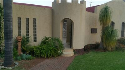 House for sale in Laudium