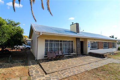 House for sale in Universitas