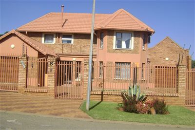 House for sale in Zakariyya Park & Ext
