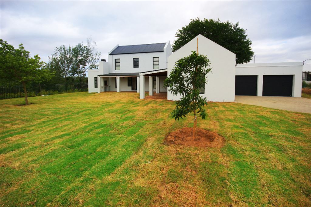 The last plot & plan option available in Somerset West
