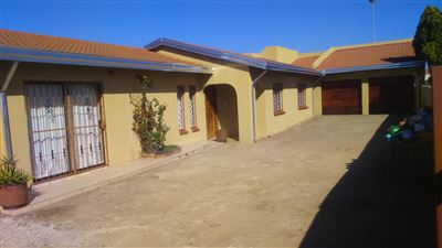 Property and Houses for sale in Vosloorus, House, 3 Bedrooms - ZAR 870,000
